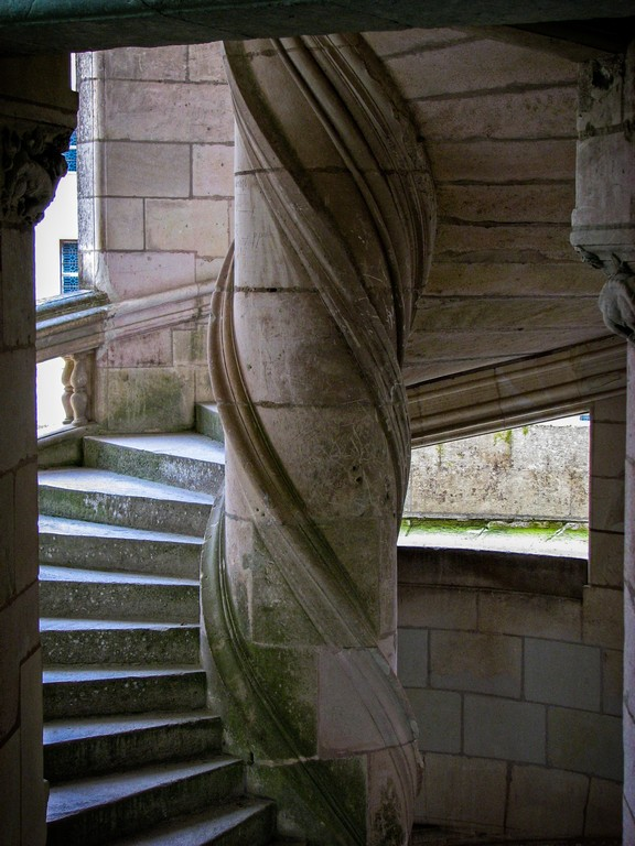 7_033_Chateau_Stairs