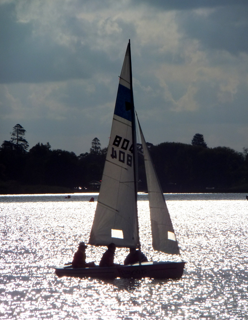 6_083_Sailing_Silvery_Water